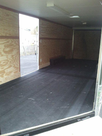 Atv trailer with rubber mats
